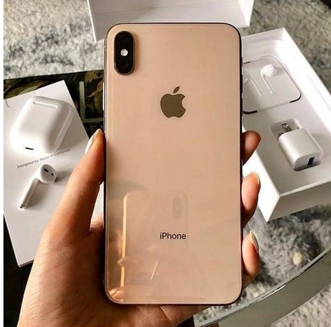 Apple iPhone XS 64GB = 400 EUR e iPhone XS Max 64G